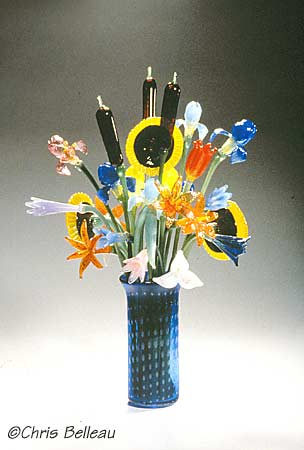 (vase with glass flowers)